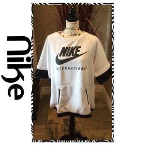 Short sleeve Nike Sweatshirt